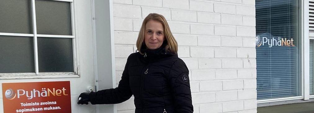 """Anne Laitila PyhäNetin asiakaspalvelusta: """"Aina saa kysyä"""""""